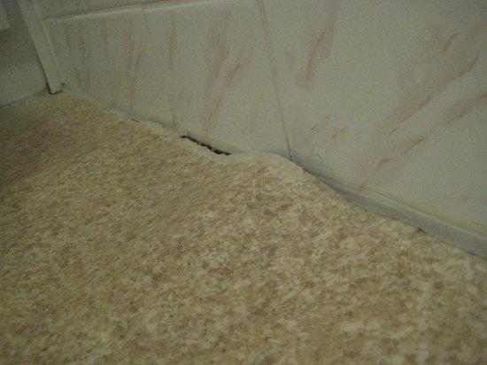 Premier Inn Doncaster (Lakeside) Hotel: Vinyl Flooring….