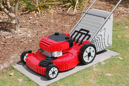 Naples Botanical Garden: Lego lawnmower