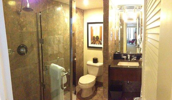 JW Marriott San Francisco Union Square: Bathroom