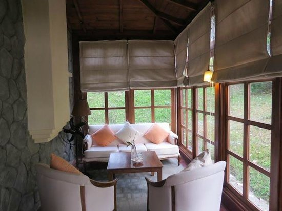 Ana Mandara Villas Dalat Resort & Spa: Glazed porch with electric heater