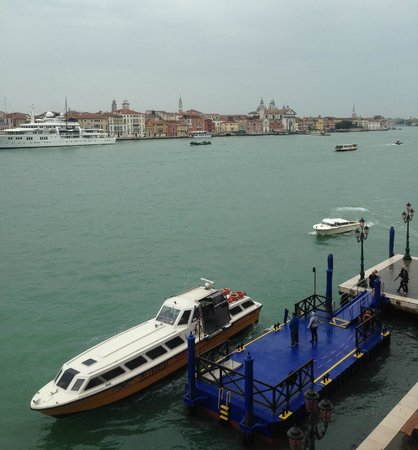 Hilton Molino Stucky Venice Hotel: View from our room on the 3rd Floor