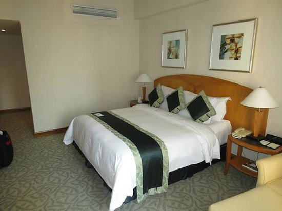 Caravelle Saigon: Comfotable room