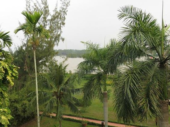 Victoria Can Tho Resort : Mekong river view from balcony