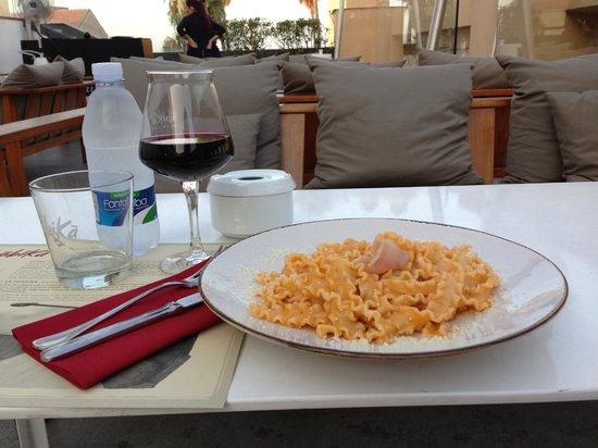 Obica Mozzarella Bar - San Domenico: Pasta with a swordfish