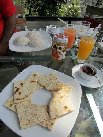 Tea Cottages Resort & Spa : delicious breakfast