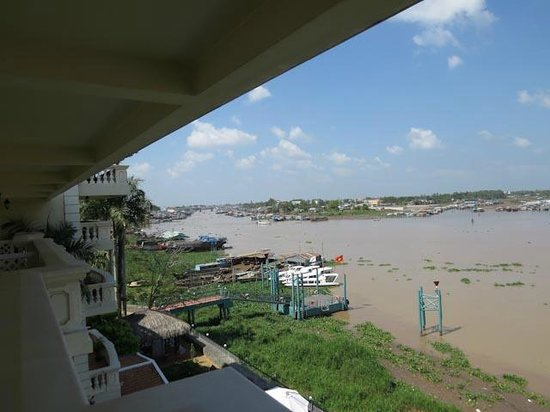 Victoria Chau Doc Hotel: Mekong River from room