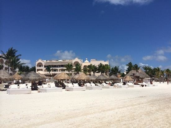 Excellence Riviera Cancun : view of the club part from the beach