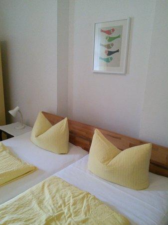 Pension Stoi: Pillow origami!
