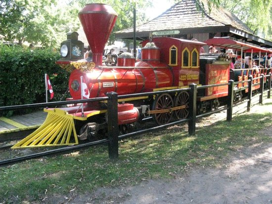 Parc des Îles de Toronto : adorable train ride (and boat rides and other track rides)