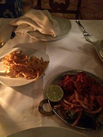 Excellence Riviera Cancun : onion bhaji and chicken tikka starter......lovely!!