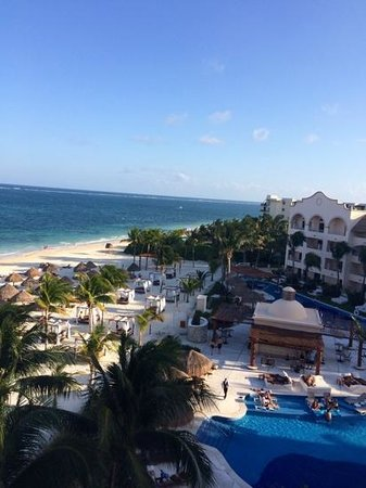 Excellence Riviera Cancun : view of the club pool from the roof top terrace