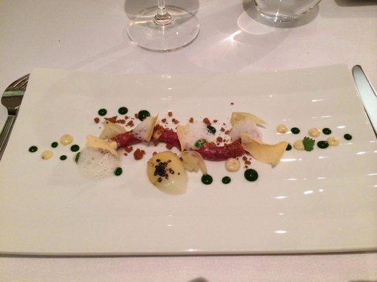 Restaurant Alcron: Milk fed veal tartar with marinated fennel and coriander emulsion.