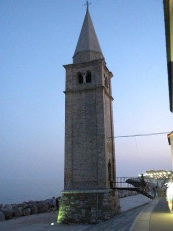 Santuario della Madonna dell'Angelo - torre campanaria