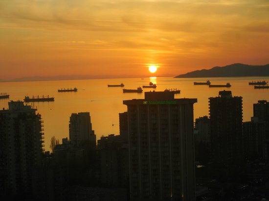 Sheraton Vancouver Wall Centre: Spectacular View of English Bay from the South Tower