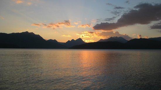 Luma Casa de Montana : atardecer del dormitorio