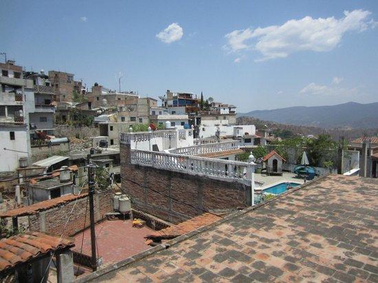 Villa de las Sonrisas B&B: View of Taxco from patio