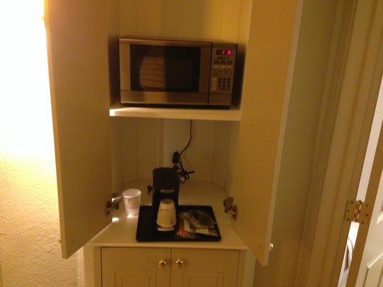 La Quinta Inn & Suites New Orleans Downtown: In Room Microwave and Coffee