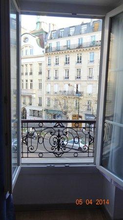 Ibis Paris Avenue de la Republique: Vista da janela do quarto