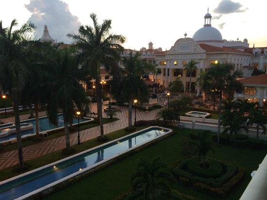 Hotel Riu Palace Riviera Maya: View from 3rd floor room