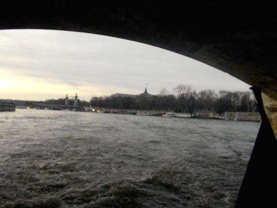 Río Sena: Sous un pont
