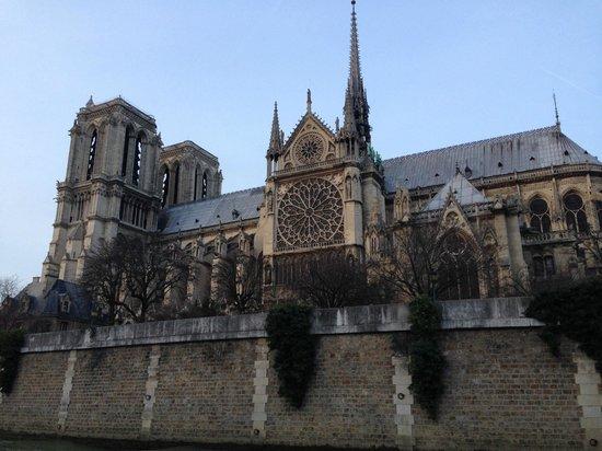 River Seine : Notre-Dame de Paris