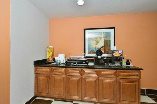 Quality Inn & Suites of Stoughton: Breakfast Display