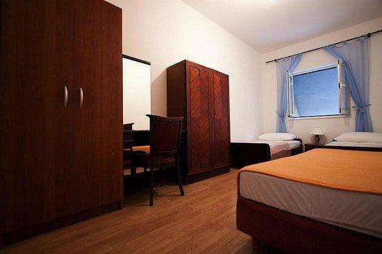 Apartments Bakoc : apartment