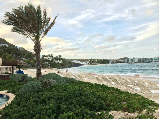 The Westin Dawn Beach Resort & Spa, St. Maarten: Dawn Beach on the Atlantic side.