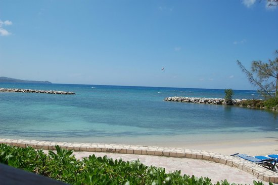 Sunscape Splash Montego Bay : View of the ocean from the beach