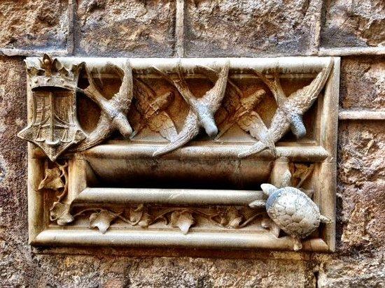 Hidden City Tours - Private Tours: Gothic Quarter