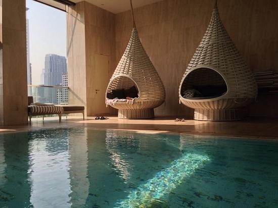 Oriental Residence Bangkok: pool pods