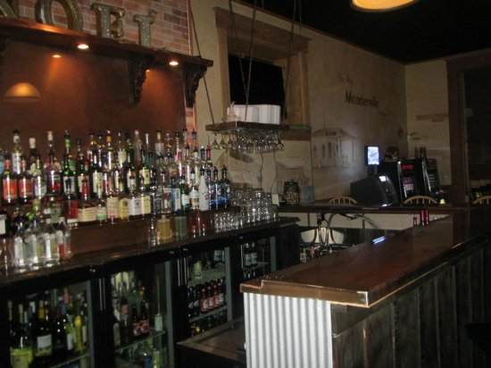Casagranda's Steakhouse: Bar in group area