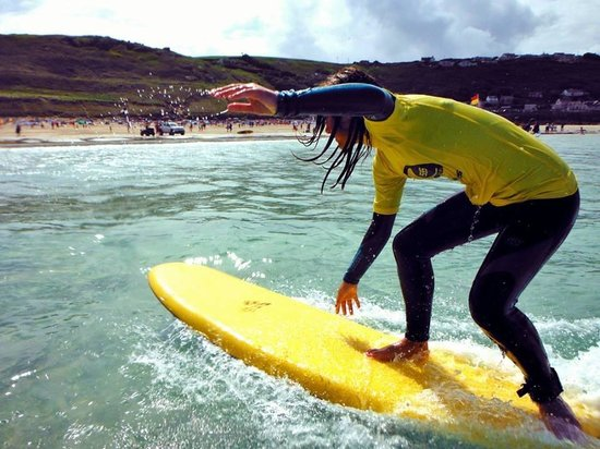 Sennen Cove, UK: Smart surfing
