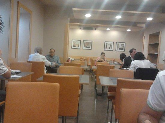 Hotel Via Augusta: Dining
