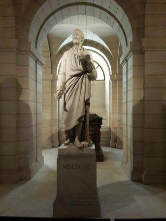 Pantheon: Jazigo de Voltaire