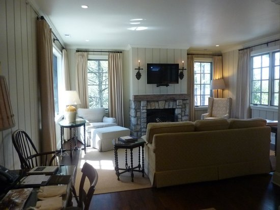Old Edwards Inn and Spa: Here is our living room