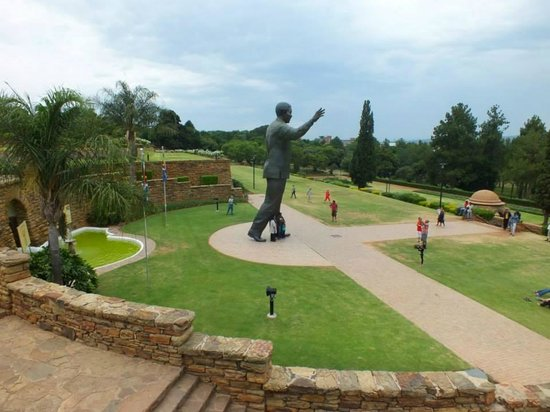 Union Buildings: Nelson Mandela Statue