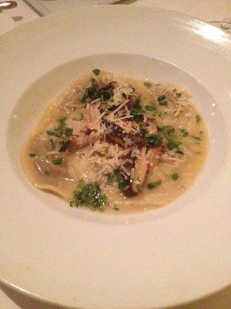 Joe's Restaurant: Porcini Ravioli
