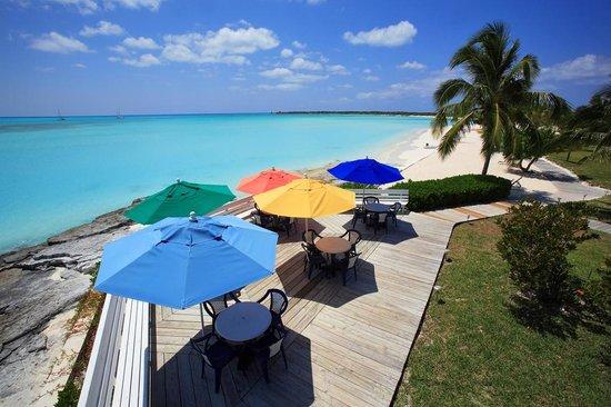 Cape Santa Maria Beach Resort & Villas: Outdoor dining patio