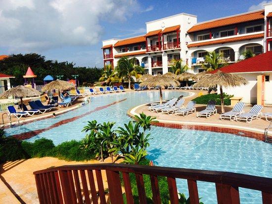 Memories Paraiso Beach Resort : Pool side Bungalow