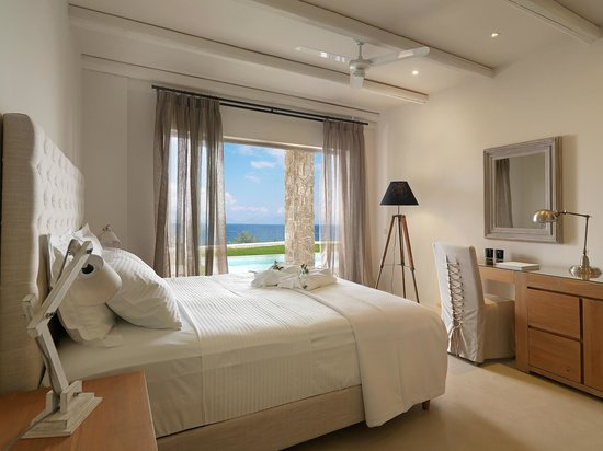 Camvillia Resort: Deluxe Double Shared Pool Room