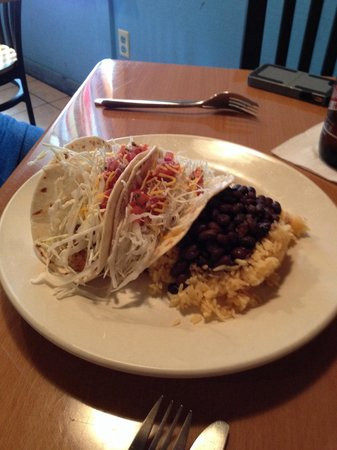 Mojito Cafe: Fish tacos with beans and rice