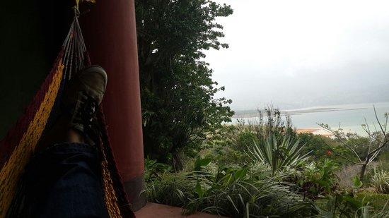 Hotel Lago Arenal & Microcervecería: Vista desde la hamaca