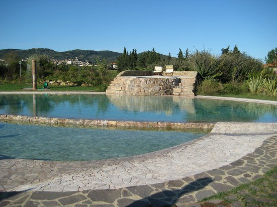 Gualdo del Re: Beautiful pool and surrounding grounds