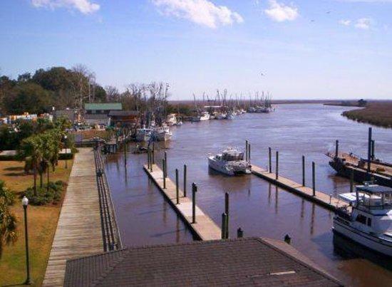 Skipper's Fish Camp: Darien Boat Docks