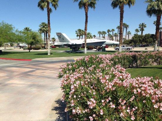 Palm Springs Air Museum : Hornet