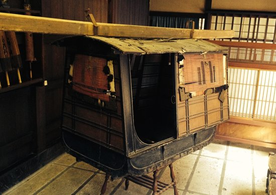 Kusakabe Folk Museum : One seater - servants carried someone around