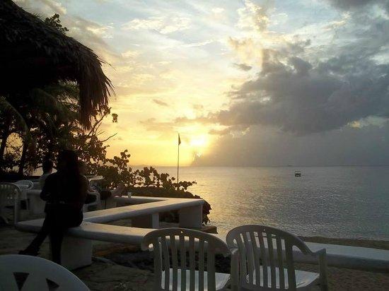 Casa Marina Beach & Reef: view from bar