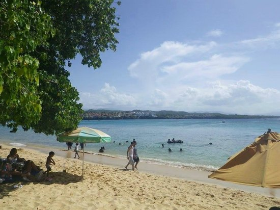 Casa Marina Beach & Reef: seasdie beach right at the hotel