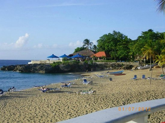 Casa Marina Beach & Reef: beach at hotel